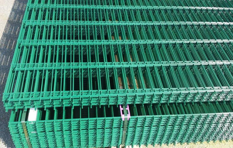 coated wire mesh panels