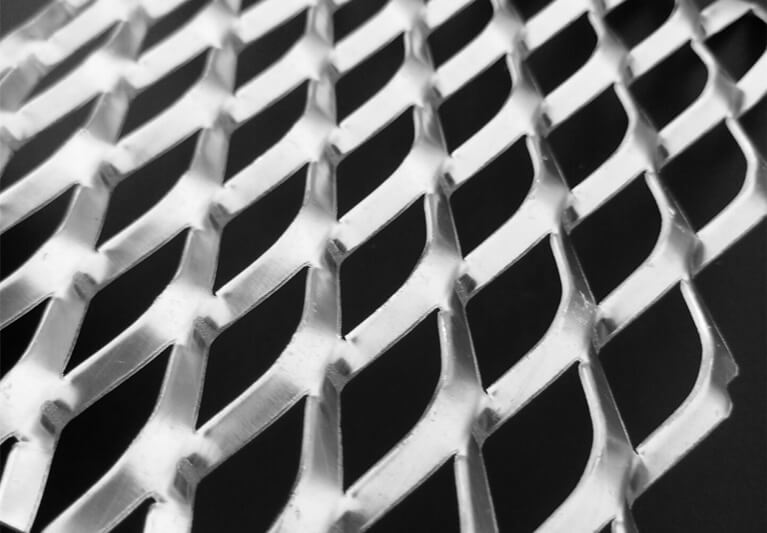 expandable wire mesh