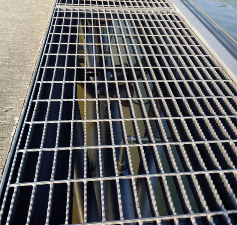 steel mesh walkway